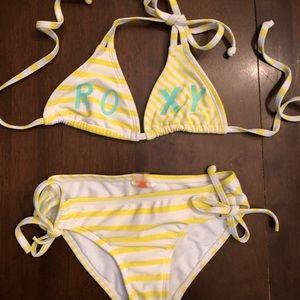 Girls Roxy bikini fits Sz 4/5 super cute love this